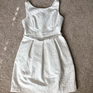 WHBM White Sleeveless Belted Dress Sheath Sz 6